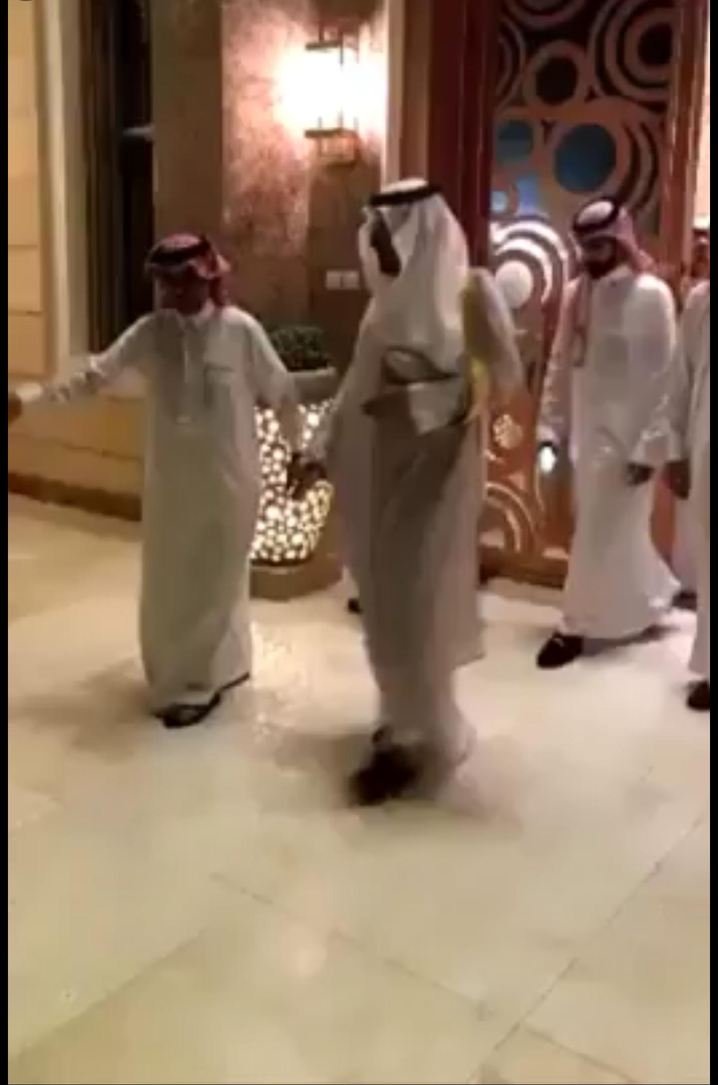 فيديو ?افتتاح منزل منصور الرمالي الشمري بحضور الأمير سعود بن عبدالمحسن