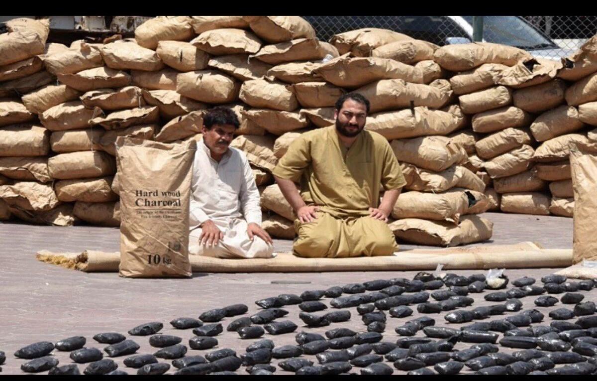 بالفيديو و الصور تعاون كويتي سعودي  يحبط تهريب مخدرات مليون ونصف حبة  كبتاجون