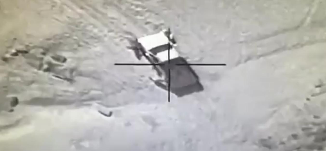 بالفيديو الميليشيات الحوثية مغرزين والطيران السعودي يساعدهم على طريقة سلمان الحزم