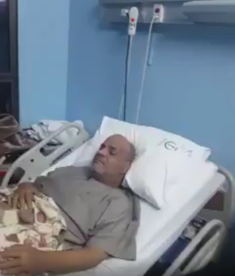 كان يشتكي من تنمل في يده فدخل المستشفى واصيب  بشلل