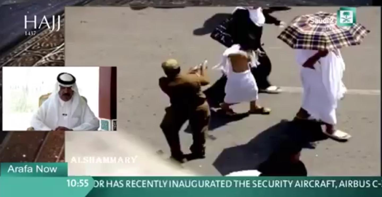 لقطة عفوية مضحكة توثقها الكاميرا لرجل أمن وطفل