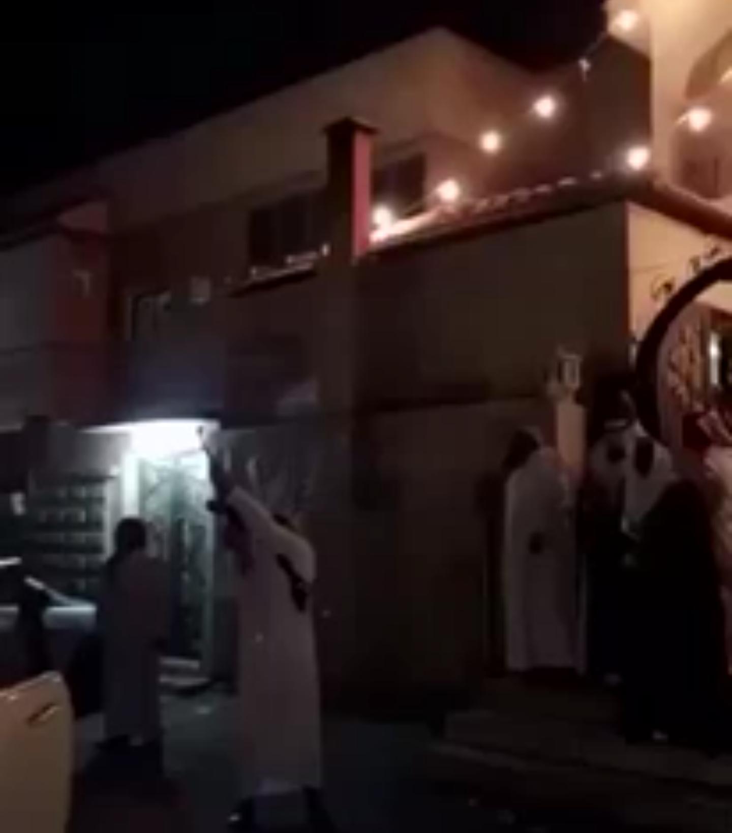 بالفيديو هياط بالرشاش كاد أن يذبح العريس بالسعودية