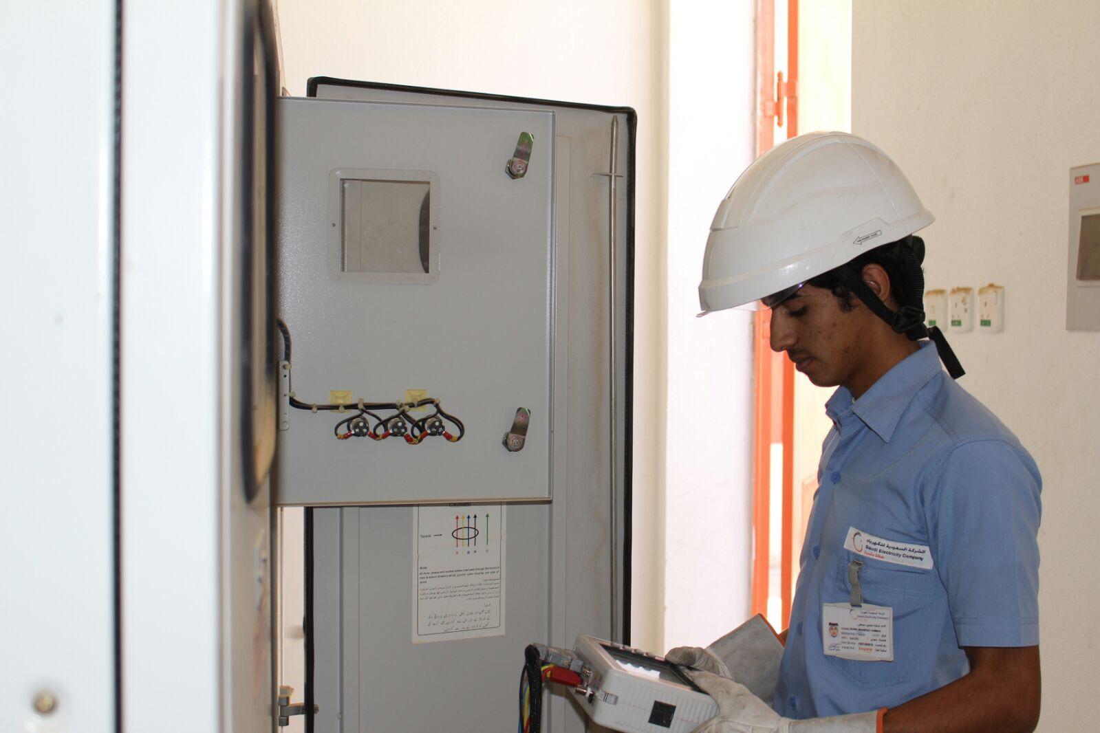 الكثير يعاني من ارتفاع فاتورة الكهرباء بدون سبب؟ إليك الحل والمشكلة