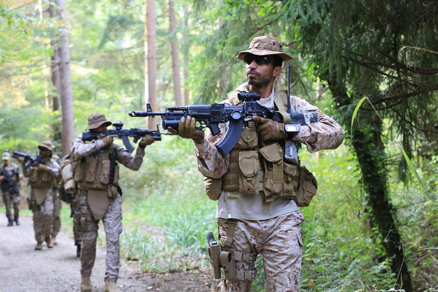 """بالفيديو والصور.. تدريب عسكري """"واقعي"""" يجمع القوات الخاصة السعودية ونظيرتها الفرنسية"""