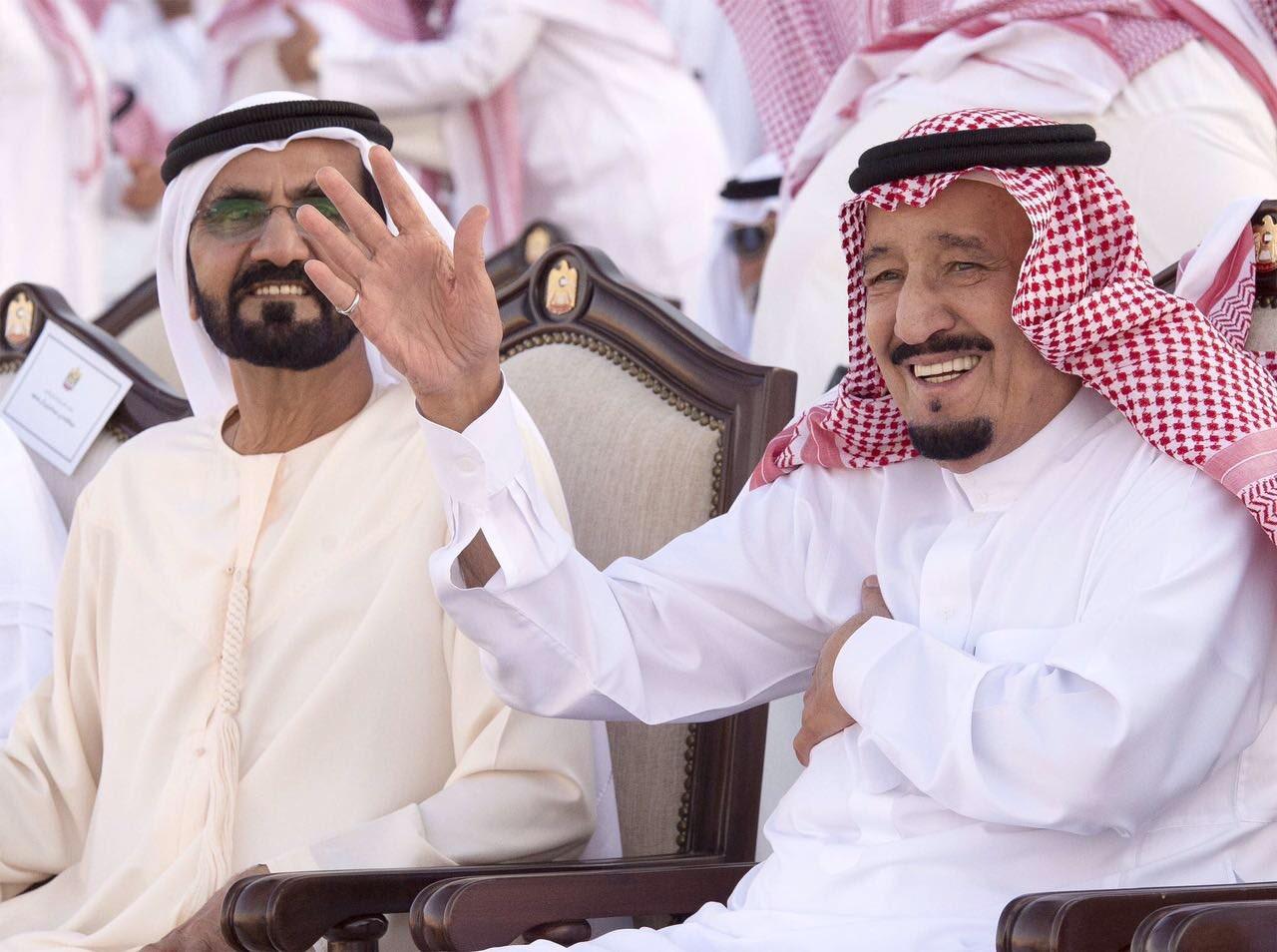 بالفيديو الملك سلمان يتفاعل طرباَ ويلوح بيده