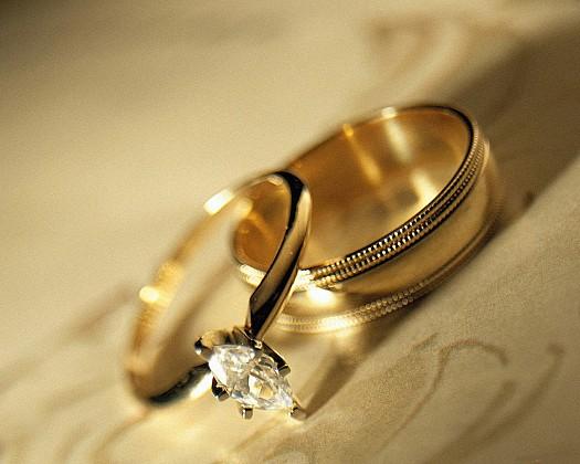 """طلاق زوجين بعد 17 يوماً من زفافهما الذي كلف 200 ألف ريال بسبب """" الوالدين"""" !"""
