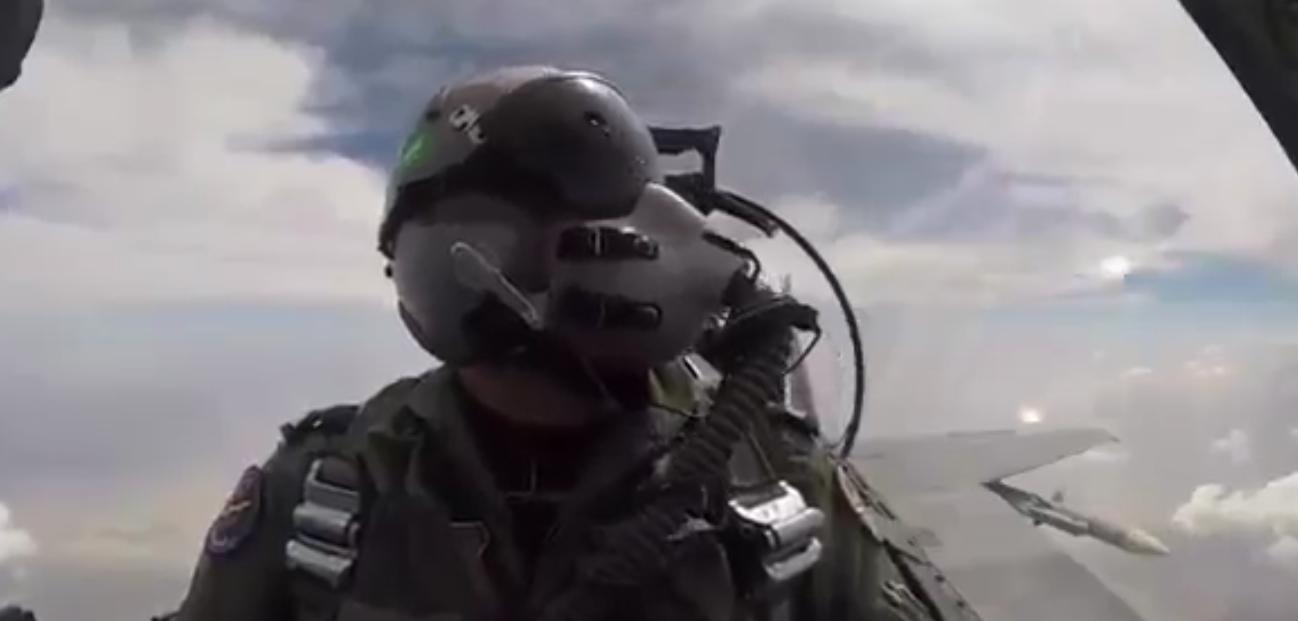 بالفيديو طائرة النسر الجارح التي صنعت خصيصا للقوات الجوية السعودية
