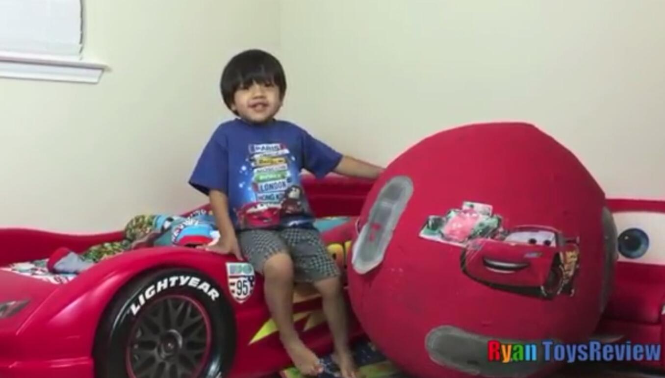 تعرف على الطفل الذي يجني 45 مليون ريال سعودي بالسنة عبر قناته باليوتيوب