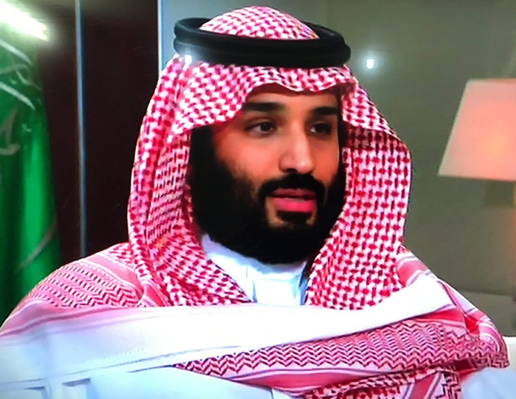 محمد بن سلمان يكشف حقيقة أسباب إعادة البدلات والعلاوات لموظفي الدولة وامكانية عودة التقشف