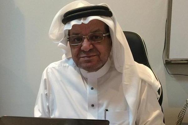 """موقف غريب يدفع طبيباً سعوديًا لإضافة اسم والدته على """"البزنس كارد"""".. هذه قصته"""