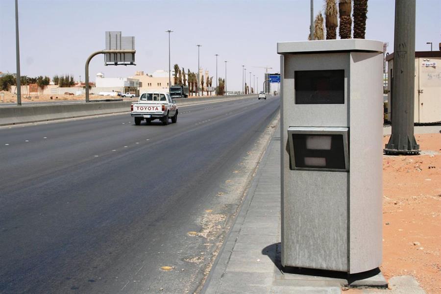 المرور تكشف حقيقة مخالفة تنبيه السائقين لبعضهم بوجود ساهر