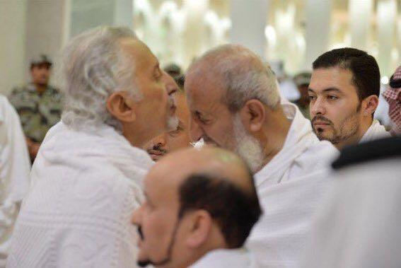 ماذا فعل خالد الفيصل عندما شاهد سماحة المفتي في مسجد نمرة