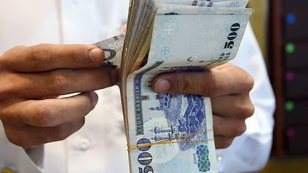 """عشريني """"أنيق"""" يخدع رجال أعمال في جدة و يجمع 140 مليون ريال"""