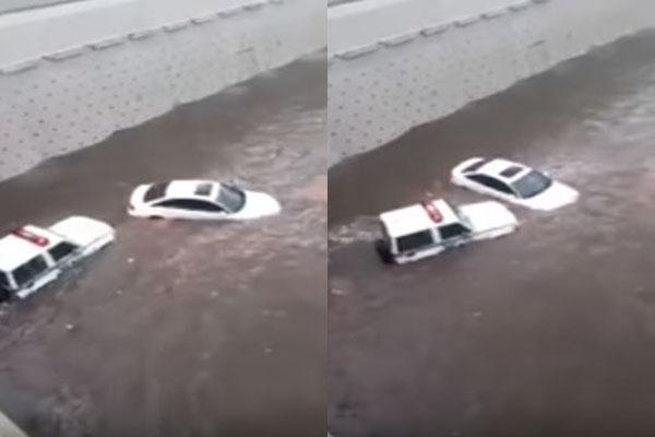 بالفيديو.. مطالبات بتكريمه شجاعة رجل أمن اخترق الأمطار لإنقاذ مواطن بجدة
