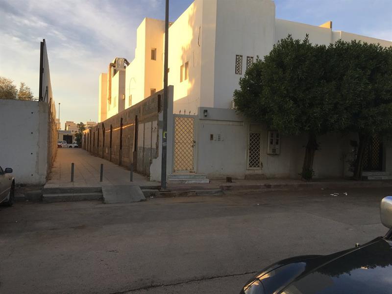 """طلبوا """"متراً"""" لإنشاء ممر يختصر الطريق للمسجد في حيّ بالرياض ..فماذا فعل (صورة)"""