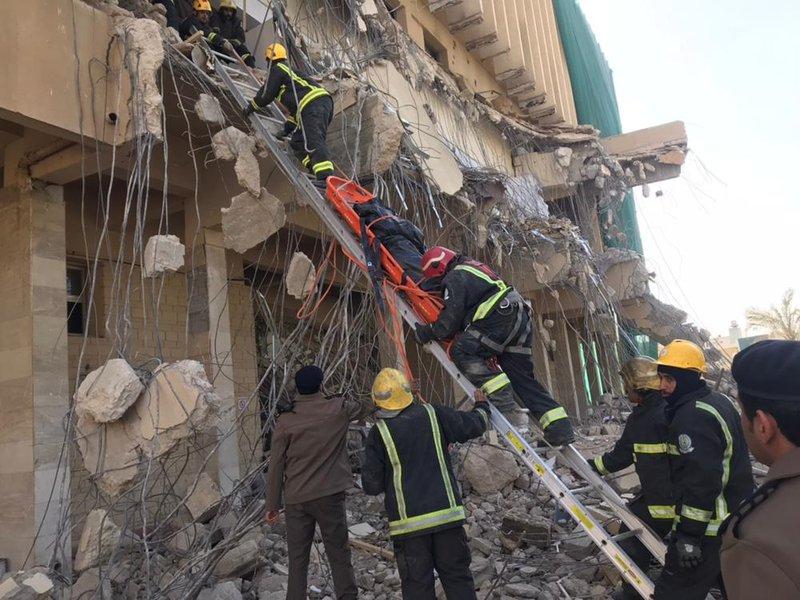 بالصور حادثة انهيار مبنى في المدينة الطبية