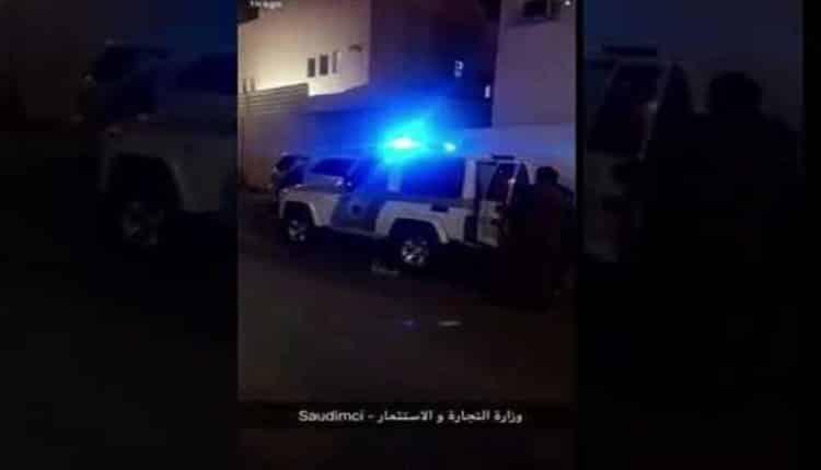 شاهد: القبض على وافدين ووافدات يصنعون مستحضرات تجميل مغشوشة ويسوقونها لربع مليون شخص