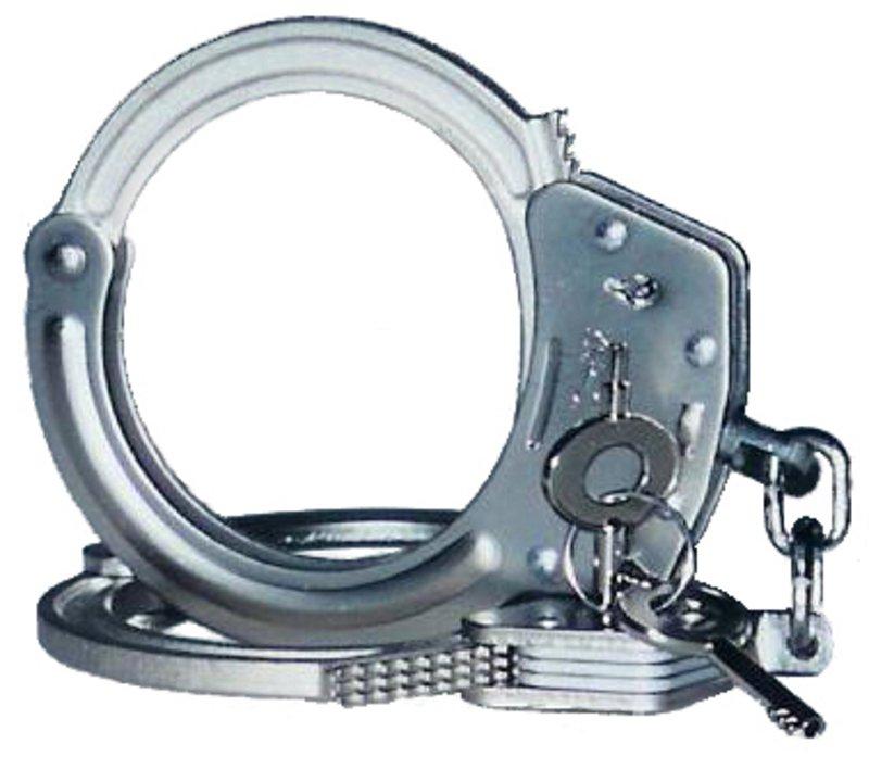 شرطة تبوك تلقي القبض على شاب أبلغ عنه والده .. لهذا السبب