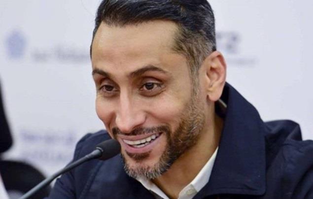 """سامي الجابر يطلق تعليقاً طريفاً على """"بطولة البلوت"""".. و""""آل الشيخ"""" يرد"""