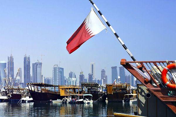 بالصورة: قطر تسرق شعار حج عام 1438هـ وتضع بجواره علم إسرائيل