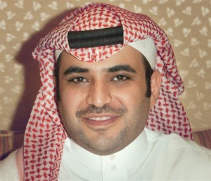 تغريدة قطري تسيء لنساء الخليج تدفع القحطاني للرد.. وإيضاح كيف سُجن صحفي لتعريضه بامرأة قطرية