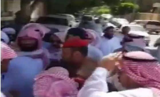 بالفيديو الداخلية: القبض على (32) مواطناً شاركوا في تجمع مخالف للأنظمة والتعليمات بالطائف