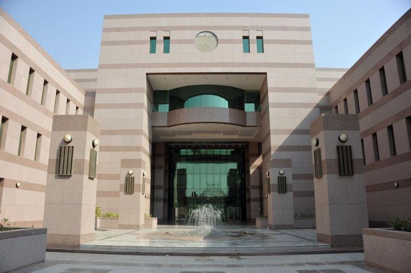 توجيه عاجل من الأمير خالد الفيصل  إلى طلاب جامعة الملك عبدالعزيز