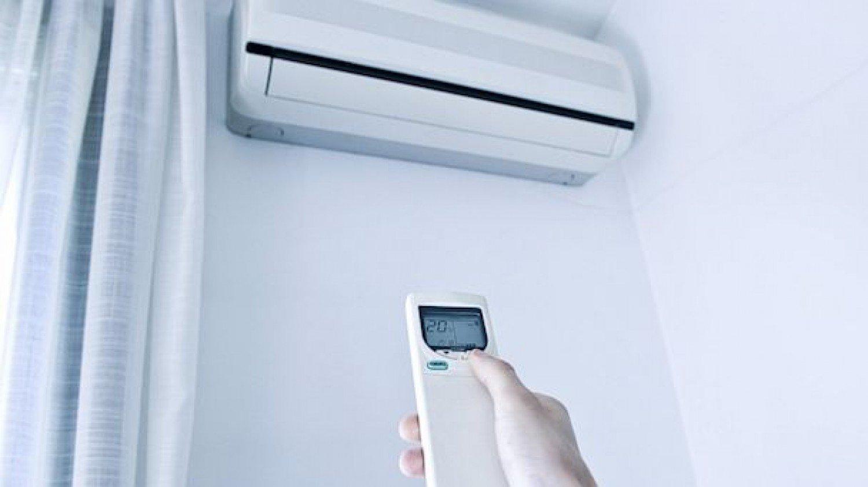 4 خطوات تساعد في توفير استهلاك «المكيف» للكهرباء (إنفوجراف)