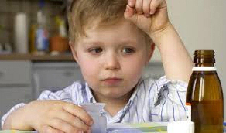 استشاري يكشف سر تسمم الأطفال من دواء «الفيفادول»