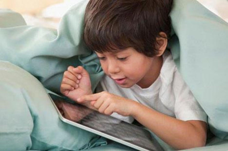 كيف تتحكم بـ«الإنترنت» المتصلة بأجهزة أطفالك؟