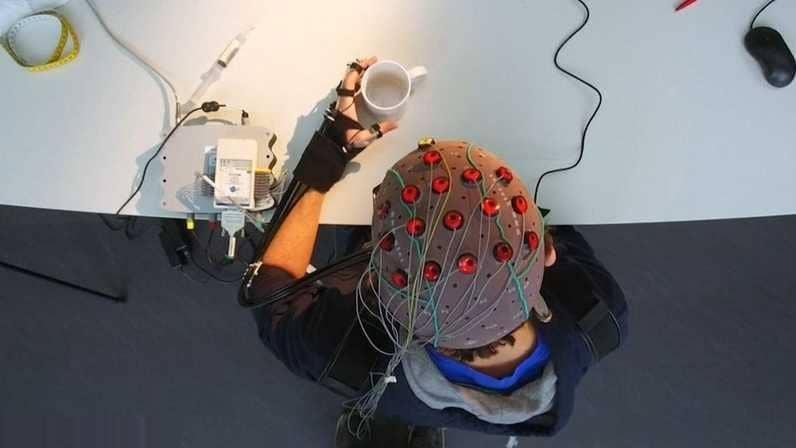 احذر بعد اليوم .. اختراع آلة تقرأ الأفكار وتترجمها إلى نص مكتوب