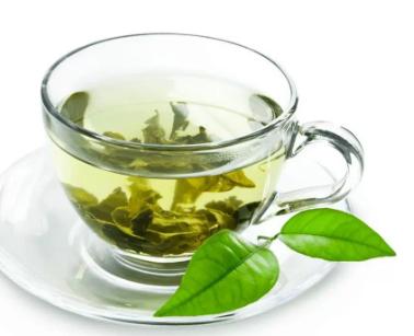 """""""عكس السائد"""".. بحث جديد يكشف أضرار الشاي الأخضر!"""