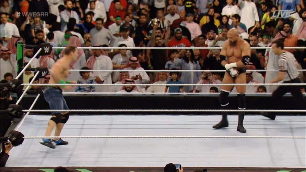 """""""هيئة الرياضة"""" تصدر بيان بخصوص اللقطة النسائية غير المحتشمة التي ظهرت في فعاليات """"WWE"""""""