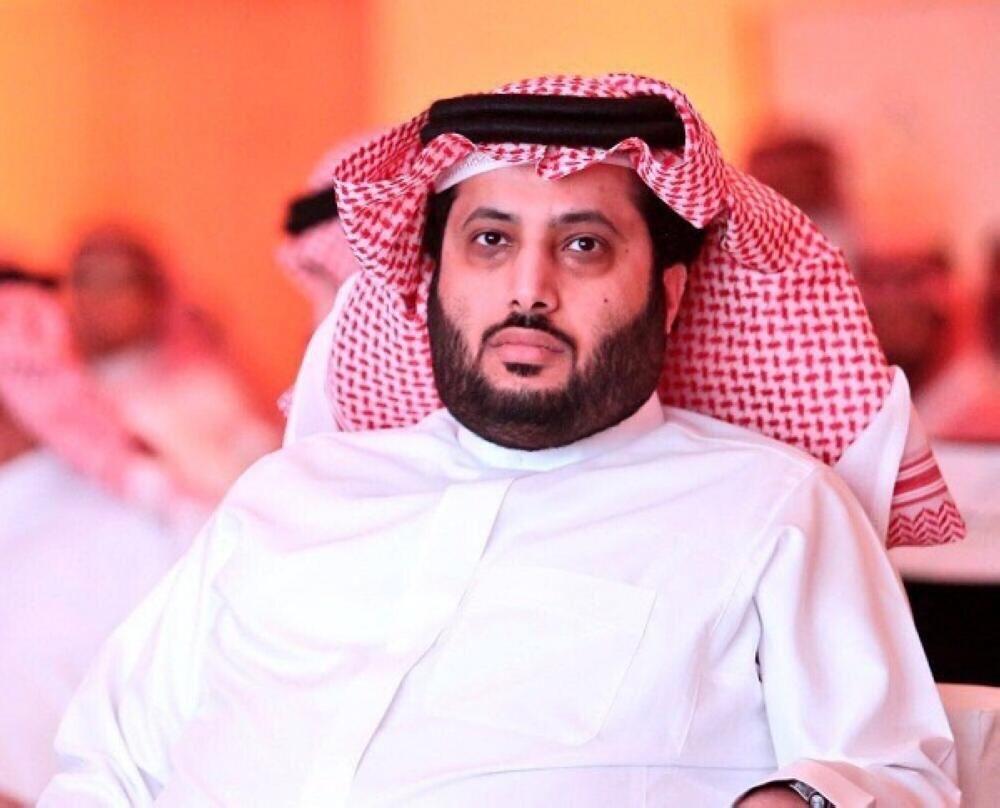 """آل الشيخ ينشر صورة لرئيس الأهلي ويعلق  """"شكله حيوحشنا"""".. والأخير يرد"""