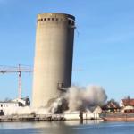 شاهد.. عملية هدم برج تنتهي بكارثة حقيقية