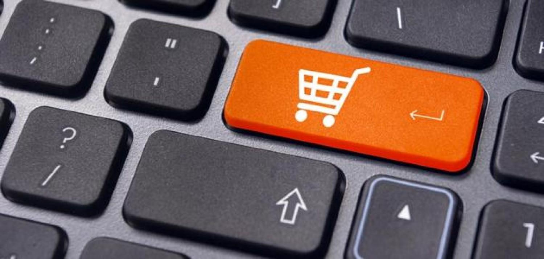 هل تفضل التسوق عبر الإنترنت؟.. إليك 5 حيل للتوفير