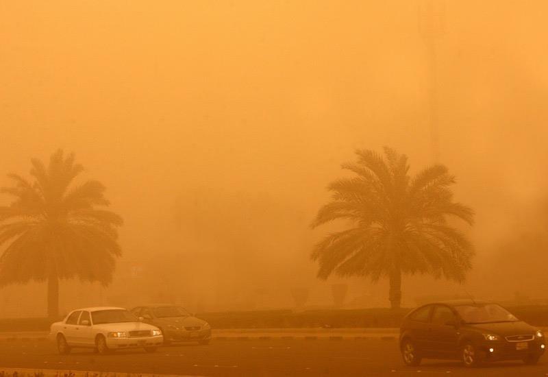 توقعات باستمرار الموجة الغبارية بالمملكة حتى رمضان.. واضطرابات جديدة على شبه الجزيرة العربية في أبريل