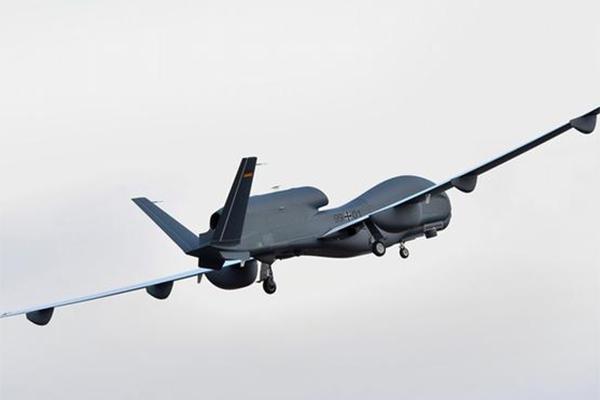 #عاجل احباط هجوم إرهابي بطائرة على مطار أبها … التفاصيل