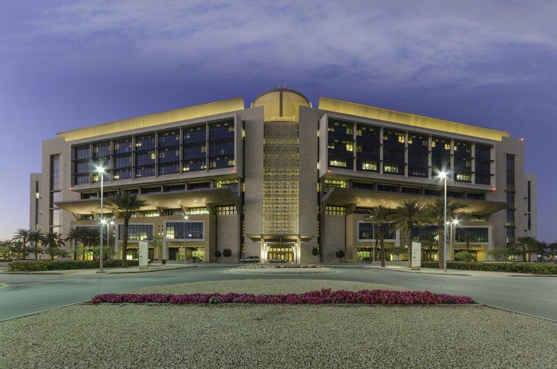 8 وظائف صحية شاغرة في مستشفى الملك عبدالله الجامعي