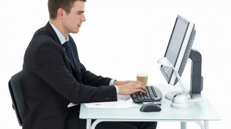 كيف تفقد الوزن خلال جلوسك على مكتب العمل؟