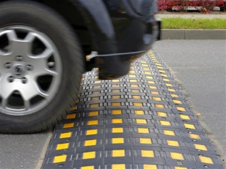 نصائح مهمة لتفادي مخاطر المطبات الاصطناعية على الركاب والسيارة