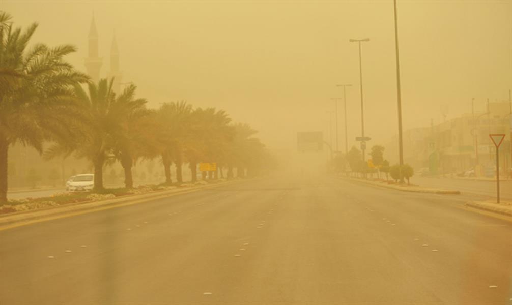 """""""الأرصاد"""" تحذر من استمرار الرياح المثيرة للأتربة والغبار على مناطق المملكة"""