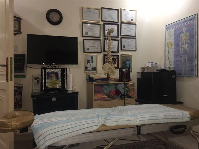 """ضبط وافد بمهنة غير طبية يمارس الطب بمنزله في جدة.. وإحالته لـ """"النيابة"""""""