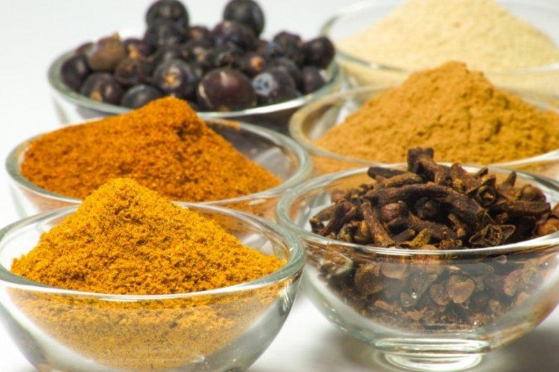 """""""أحلى طعم"""".. 8 أنواع من التوابل والأعشاب تحرق الدهون وتخفض الوزن بسرعة"""