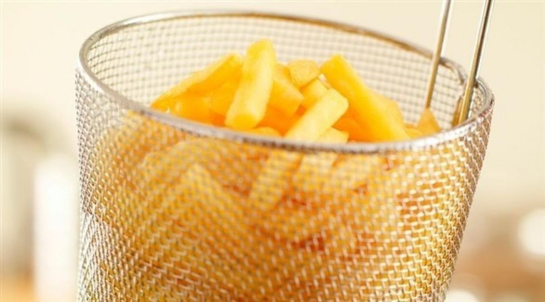 أفضل طريقة لتحضير البطاطا المقرمشة بمكونين فقط