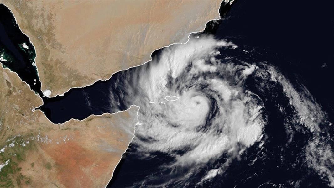 """""""الأرصاد"""": تبعات إعصار """"ميكونو"""" تبدأ الليلة في المملكة.. وتوقعات بأمطار غزيرة ورياح نشطة على الخرخير"""
