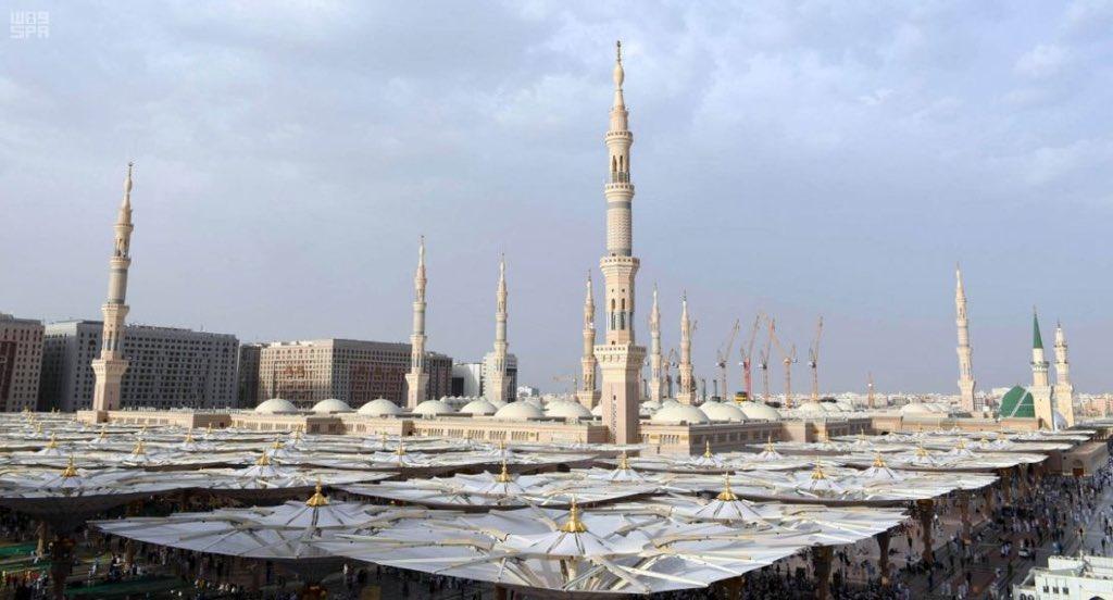 انهيار جزء من ساتر جداري في المسجد النبوي يصيب 3 عمال
