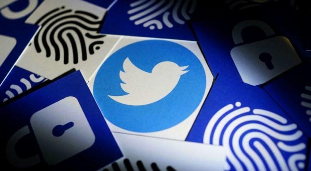 فضيحة تلاحق تويتر.. باعت بيانات للشركة المتورطة مع فيسبوك