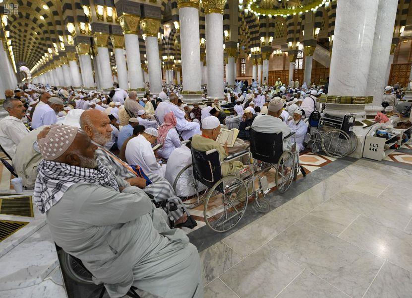 شاهد.. توافد المصلين على المسجد النبوي الشريف في أول أيام رمضان