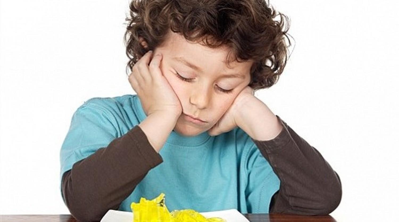 6 علامات تكشف وجود «ديدان» في أمعاء طفلك
